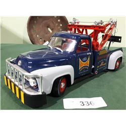 ROAD LEGENDS DIE CAST TOW TRUCK