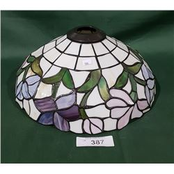 TIFFANY STYLE STAINED GLASS LAMP SHADE