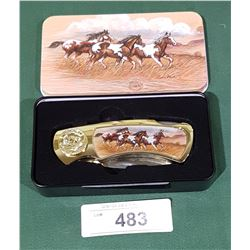 COLLECTIBLE KNIFE IN CASE W/HORSE MOTIF