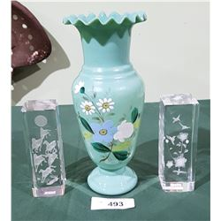 VICTORIAN HAND PAINTED BRISTOL GLASS VASE & 2 CRYSTAL PAPER WEIGHTS