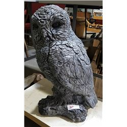 LARGE HIGHLY DETAILED CONCRETE OWL STATUE