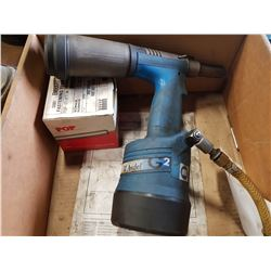 AVDEL MODEL G2 AIR RIVETER TOOL
