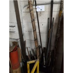 LOT OF ASSORTED THREADED ROD