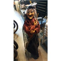 HALLOWEEN LAUGHING WITCH DECORATION