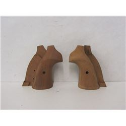 TWO SETS OF RECK R-15 TARGET REVOLVER GRIPS