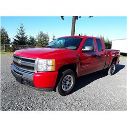 G5---2010 CHEV  SILVERADO EXT CAB, RED, 307,262 KMS