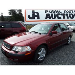 E2---2001 VOLVO S40 SEDAN, RED, 190,181 KMS
