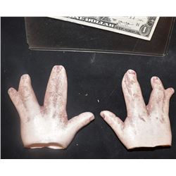 AMERICAN HORROR STORY FREAK SHOW SCREEN USED HERO HANDS OF YOUNG JIMMY DARLING