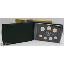 2000 CANADIAN SPECIMEN SET IN BOX.