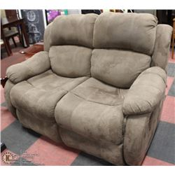 "BROWN FABRIC 61"" 2 SEATER RECLINER."
