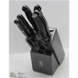 JA HENCKLES KNIFE SET WITH BLOCK INCL 6 KNIVES &