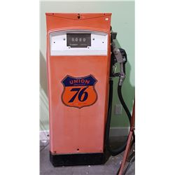 VINTAGE UNION 76 GAS PUMP
