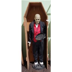 JUST IN TIME FOR HALLOWEEN! LURCH EXPANDING BUTLER STATUE IN COFFIN