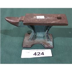 VINTAGE SMALL JEWELERS ANVIL