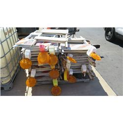 Contents of Pallet: Light-Up Safety Barricade Lights