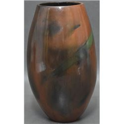 NAVAJO INDIAN POTTERY VASE (CLING)