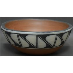 SANTO DOMINGO INDIAN POTTERY BOWL