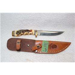 Schrade Hunting Knife with Leather Sheath