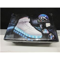 New LED Light Glow Gleam Kicks shoes with charge cord/ Size 6 boys 7 Girls