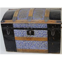 Antique dome top trunk with interior tray