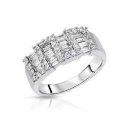 18KT White Gold 0.99ctw Diamond Ring