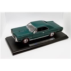 1966 Pontiac GTO Welly 1:18 scale