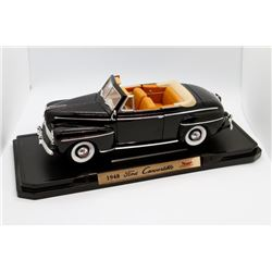 1948 Ford Convertible Road Signature Deluxe Edition 1:18 scale