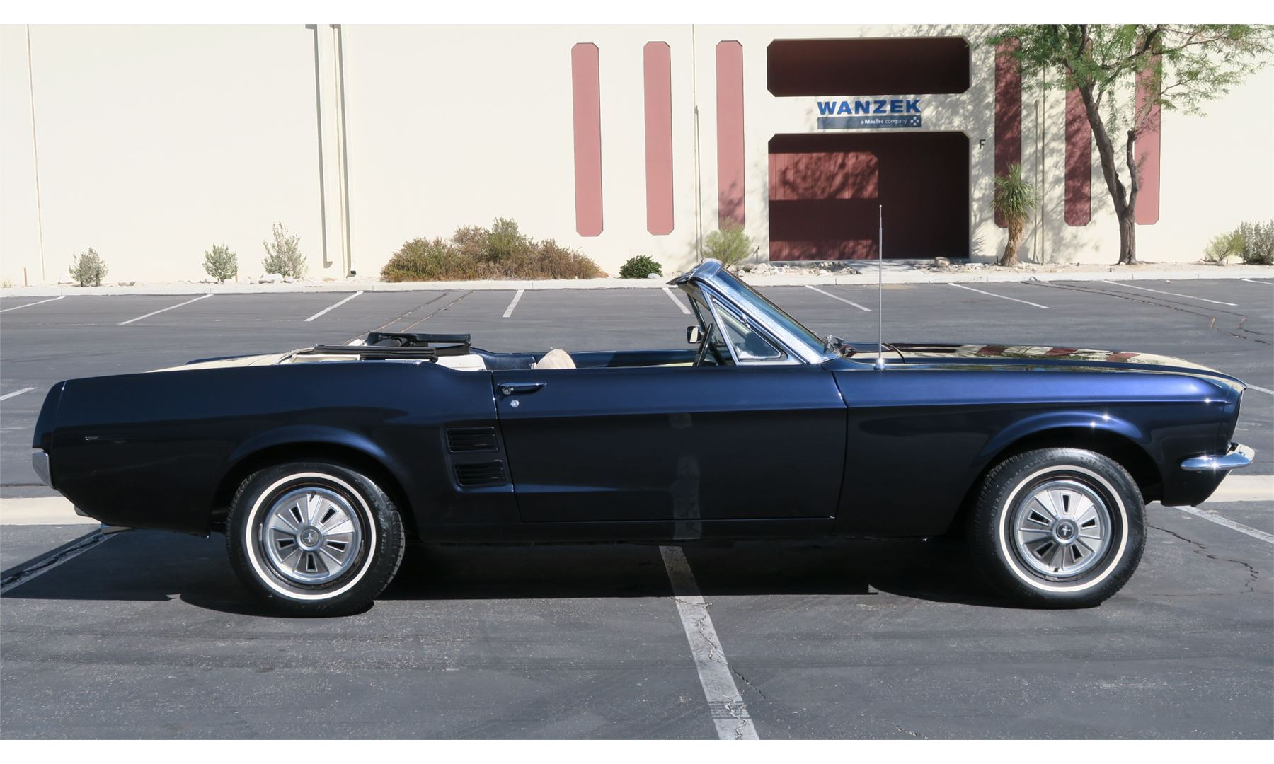 FRIDAY NIGHT 1967 FORD MUSTANG CONVERTIBLE - The Electric ...