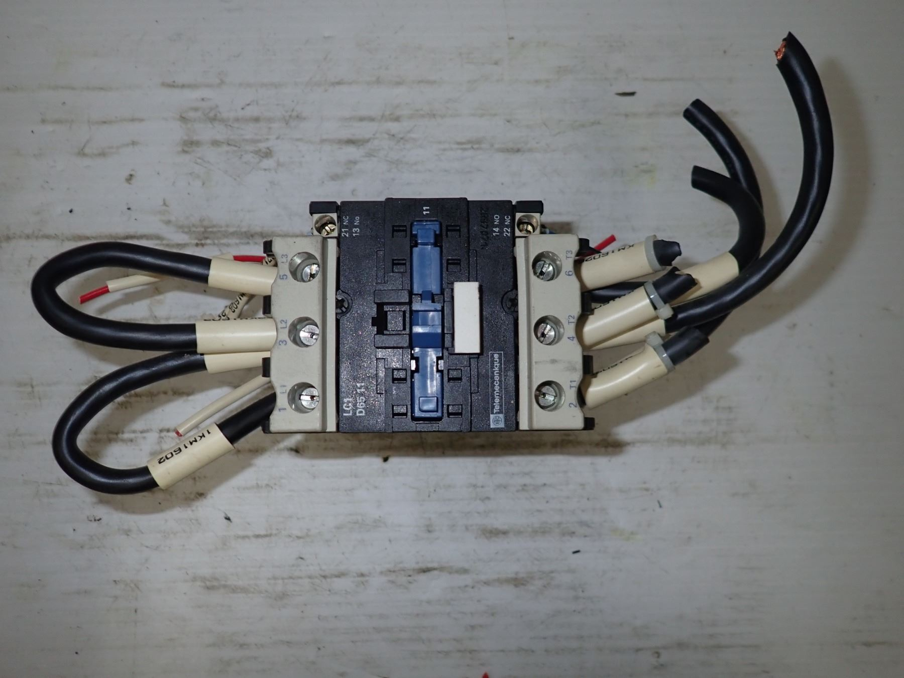 Telemecanique Lc1 D65 11 Contactor Wiring Image 8