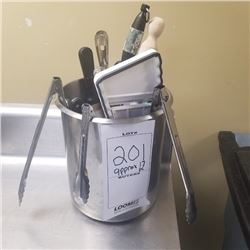 LOT OF APPROX 17 UTENSILS AND STAINLESS STEEL CONTAINER