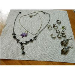 BAG OF ASSORTED JEWELRY - RINGS & MORE