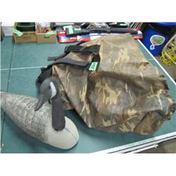 bag with 11 Goose decoys