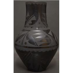 SAN ILDEFONSO INDIAN POTTERY VASE (STAR FLOWER)