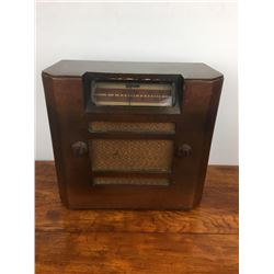Deforest wooden tube radio