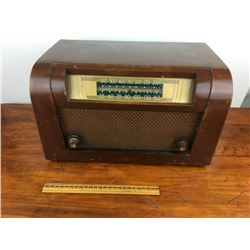 Philco wooden tube radio