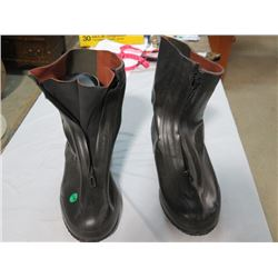 CANADIAN ARMY RUBBER OVERSHOES (SZ 10.5)