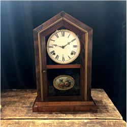 Antique American Shelf Clock w/ Key
