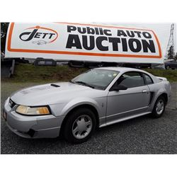 E5 -- 2000 FORD MUSTANG, COUPE, GREY, 235100