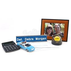 Debra Morgan's (Jennifer Carpenter) Desk Items - DEXTER (2006 - 2013)