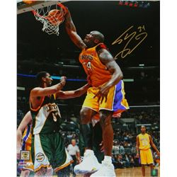 Shaquille O'Neal Signed LA Lakers One-Handed Dunk Photo