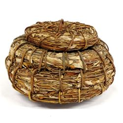 Mission Kumeyaay Leaf and Willow Lidded Basket