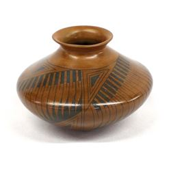 Mata Ortiz Pottery Jar by Luis Ponce