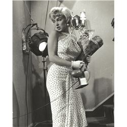 Marilyn Monroe (5) photographs from The Seven Year Itch.