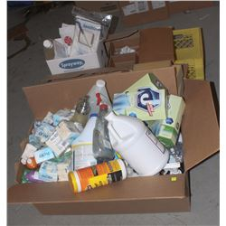 LARGE LOT OF ASSORTED CLEANING SUPPLIES