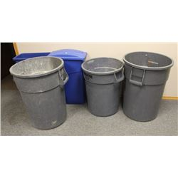 LOT OF GARBAGE AND RECYLING BINS