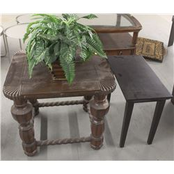 SET OF NON-MATCHING WOODEN END TABLES