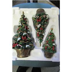 HOME INTERIORS & GIFTS 3 PIECE RESIN CHRISTMAS TREE SET