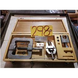 Box of Honeywell Set of Puller