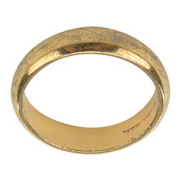 """Robert Reed """"Mike Brady"""" prop wedding band from The Brady Bunch."""
