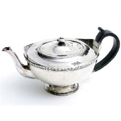Silver tea pot by Deakin Ltd. hallmarked 1902